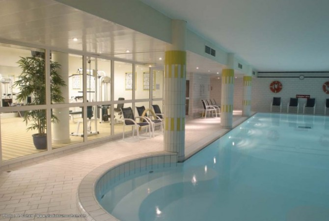 Hotel dolce chantilly frankrijk golf direct golfvakanties for Hotel piscine chantilly